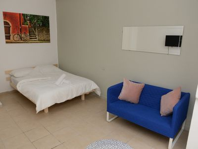 Photo for COZY ROOM IN THE HEART OF FLORENTIN WITH FREE NETFLIX-12
