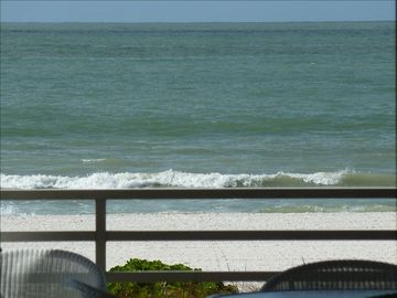 Beach Front Upscale Condo - Amazing Views - Private Cabana