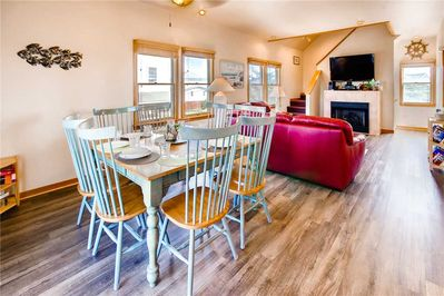 Surf-or-Sound-Realty-Castn-Crew-623-Great-Room