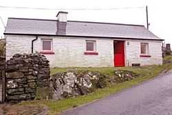 Photo for Traditional cottage with stunning views of the sea & mountains