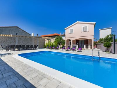 Photo for Luxury 3 bedroom villa with a heated pool