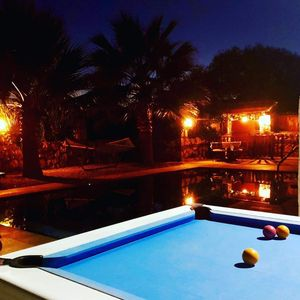 Photo for 5 Bedrooms, heated pool, pool table, table tennis, bbq & wifi.