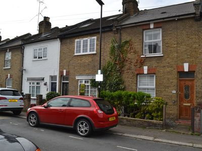 Photo for Nice 2 Bedroom House - Ealing