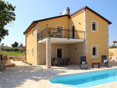 Photo for Villa Jomi **** for 8-9 persons with pool near Poreč, close to the sea!