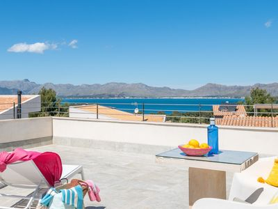 Photo for Modern villa with pool and fantastic sea views