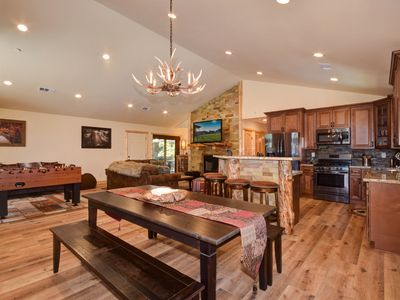 Photo for California Dreamin': Cable! WiFi! Wood Floors! Playstation! Foosball Table! Close to The Village!