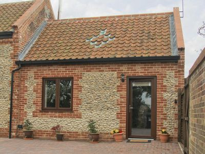 Photo for 1 bedroom property in Happisburgh. Pet friendly.