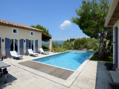 Photo for Luxury self catering villa with pool in Pont Royal, Provence, France.