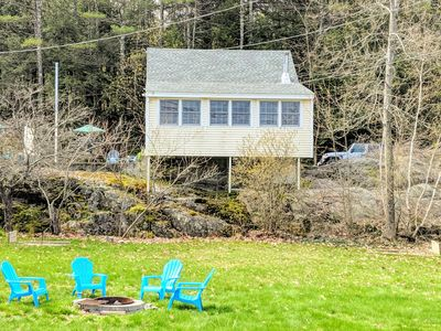 Cozy Cottage across from beautiful Newfound Lake!