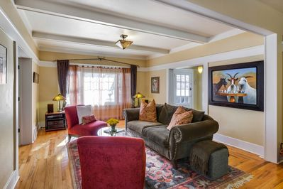 Chat with friends or take a catnap in the cozy living room