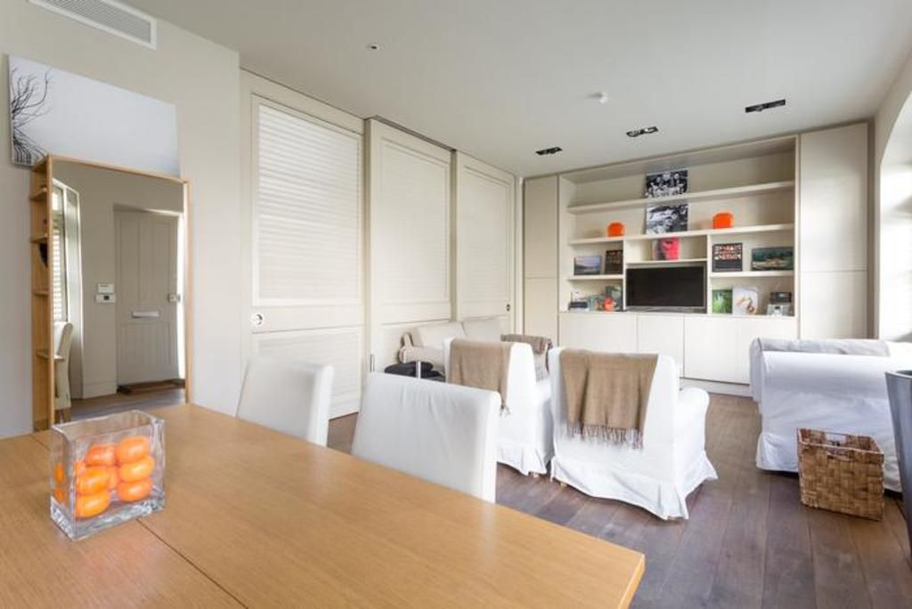 London Home 321, Enjoy a Holiday of a Lifetime Renting Your Own Private London Home - Studio Villa, Sleeps 6