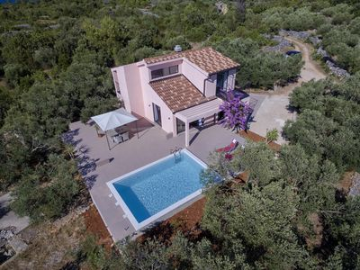 Photo for Eclectic Villa with Swimming Pool set in it's own Olive Grove