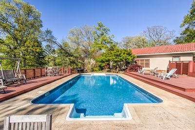 40x20 pool with large deck that could accommodate 50 easily.  Lake view.