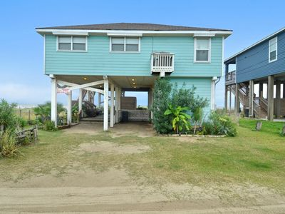 Photo for Hana by the Sea-Beautiful beachfront home 3/2 Sleeps 7, Sea Isle, Galveston!