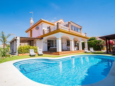Photo for Cubo's Villa Yedra Guadalmar. Close to the beach, pool, wifi and AC