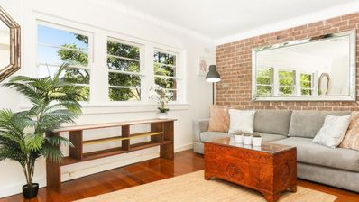 Photo for Stylish apartment moments to CBD and harbour