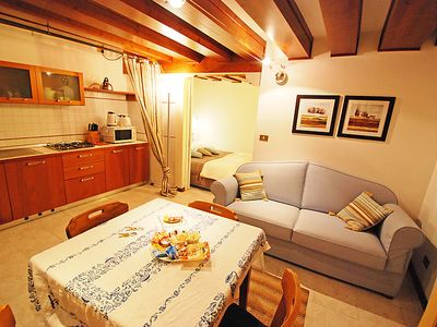 Photo for Apartment Calle del Traghetto Vecchio  in Venice, Veneto - 4 persons, 1 bedroom