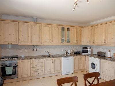 Fully fitted Kitchen with table and chairs
