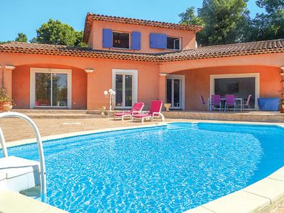 Photo for Villa, ideal for family and friends, w/pool + terrace, short drive to village
