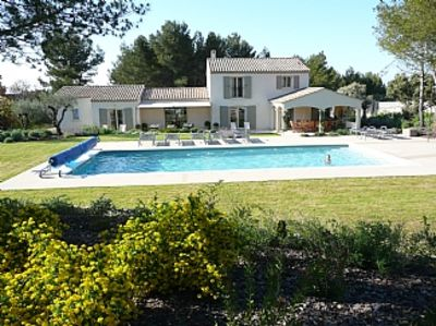 Photo for Superb Villa with Heated Pool and Air-Conditioning