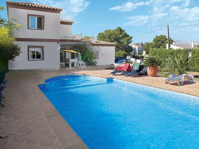 Photo for Spacious 4 bed villa with Roman style pool