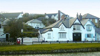 Photo for Breakwater Cottage - Five Bedroom House, Sleeps 10