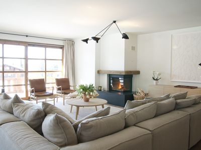 Photo for Modern apartment, centrally located, walking distance to ski lift.
