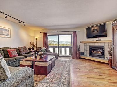 Photo for 732B Beautiful townhouse with gorgeous views.  King bed, private deck, hot tubs & free stuff!