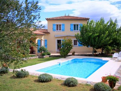 Photo for Saona Villas: Languedoc-Roussillon, Gard, villa 6 people, private pool