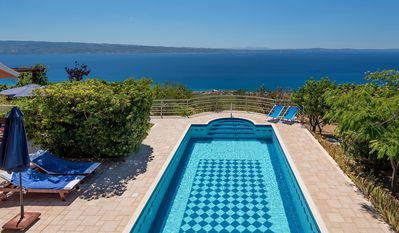 Photo for 2BR House Vacation Rental in Podstrana, Dalmatien