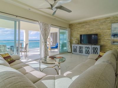 Photo for Luxury 2BD Beachfront Condo with Amazing Sea Views, Centrally Located