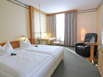 Photo for Double Room - Country Park Hotel Leipzig / Brehna