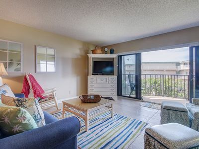 Photo for Oceanfront condo w/ balcony, shared pool, and private beach access