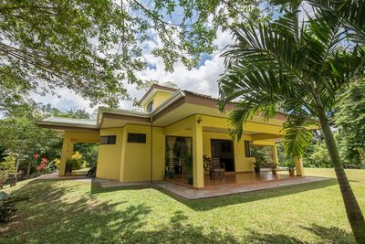 Great property just 1 mile from downtown La Fortuna