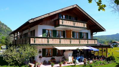 Photo for Lovingly furnished 3-star apartment in Wallgau.