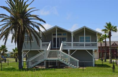Photo for Cozy Beach House with Oceanview and access!