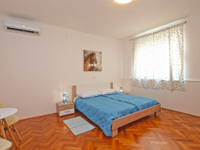 Photo for Apartment for 4 people with 2 extra beds and 2 bedrooms (ID 13050)