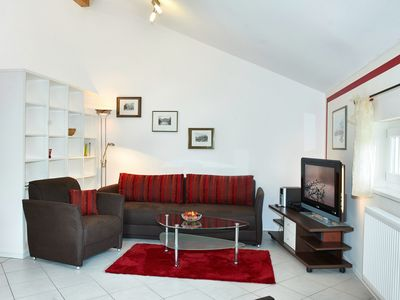 Photo for FeWo Simssee, 53 qm Obergeschoss, 1 separates Schlafzimmer