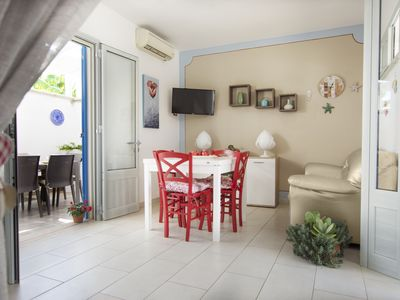 Photo for Nice and comfortable apartment facing the sea and a stone's throw from the beach