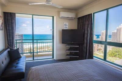 Main Bedroom Ocean-View with Private Balcony