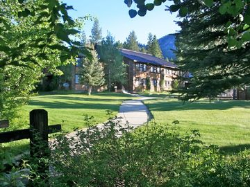 The Ultimate Lodge For Retreats, Family Reunions Or Destination Weddings