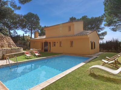 Photo for 3 bedroom Villa, sleeps 6 in Tamariu with Pool