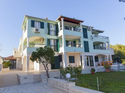 Photo for Apartment in Sumartin (Brač), capacity 4+3