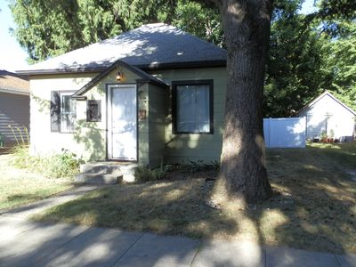 Photo for Great downtown Bungalow minutes to 4th street, Sherman Ave and the Lake!!
