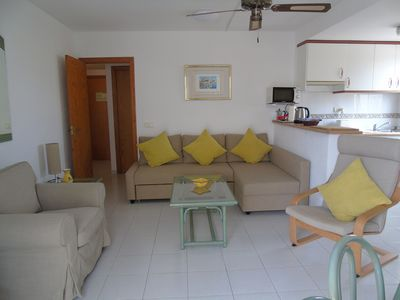 Photo for Comfortable spacious apt in tranquil location with sea view and AC.