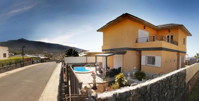 Photo for Villa with heated pool in an exclusive residential area, quiet, WiFi.