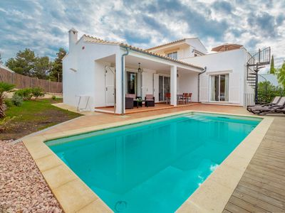 Photo for Holiday villa with pool, terrace, air conditioning and sea views