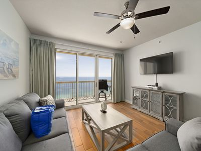 Photo for Vacation Right On The Gulf! SLEEPS 9! Walk Right Across To Pier Park!
