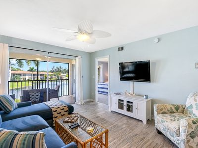 Photo for BEST. VACATION. EVER.  2br/2ba Sleeps 8. Heated Pool, 10min to Ft. Myers Beach!