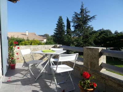 Photo for Beautiful sunny apartment with terrace close to AVIGNON